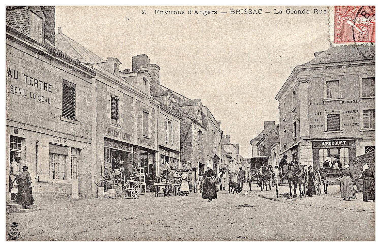 Brissac, la grande rue